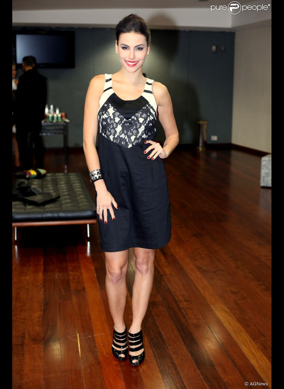 mel fronckowiak, miss bottom 2008, top 2 de miss mundo brasil 2007. - Página 2 3dgzikhx