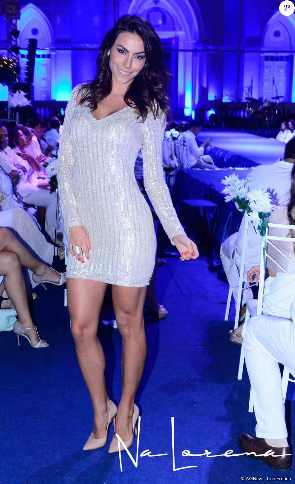 mel fronckowiak, miss bottom 2008, top 2 de miss mundo brasil 2007. W7aw4lip