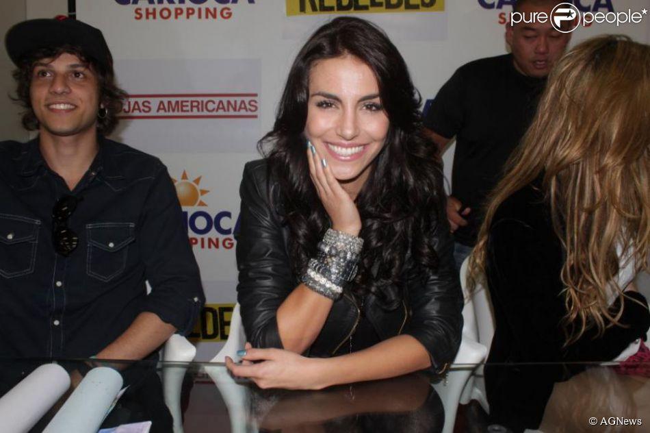mel fronckowiak, miss bottom 2008, top 2 de miss mundo brasil 2007. - Página 2 Xaay2yro