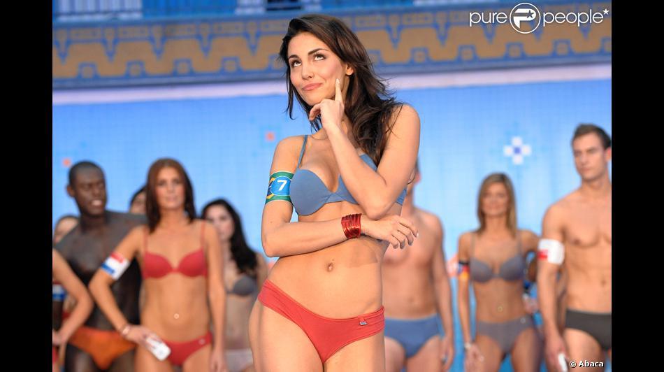 mel fronckowiak, miss bottom 2008, top 2 de miss mundo brasil 2007. - Página 4 3pbc4jje