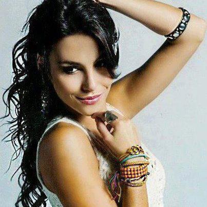 mel fronckowiak, miss bottom 2008, top 2 de miss mundo brasil 2007. - Página 9 Mfxje58m