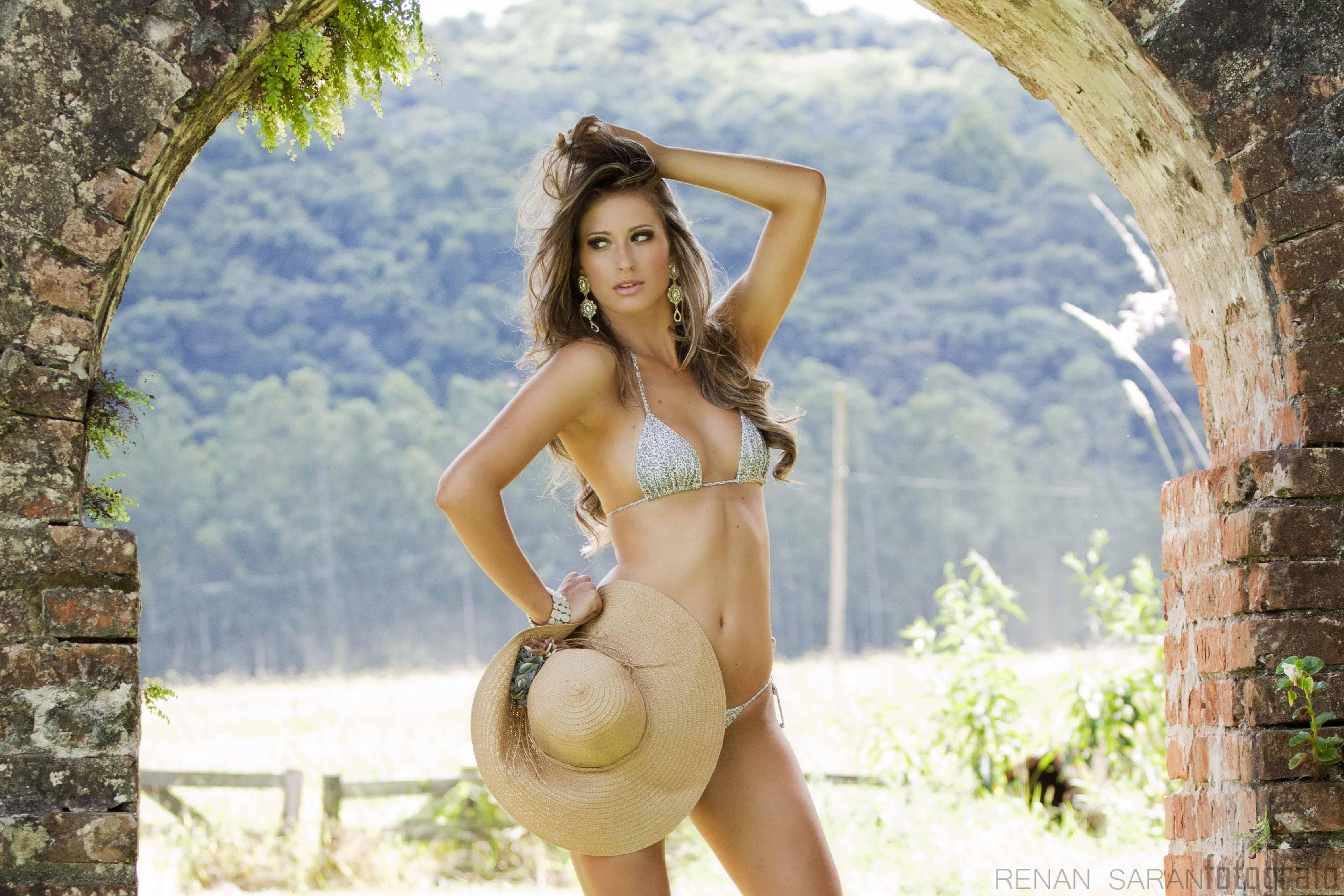 lais berte, top 3 de rainha hispanoamericana 2017, top 2 de miss eco international 2016. - Página 2 Xvdhqgmm