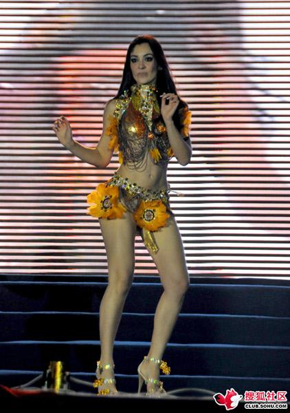 lilian lopes, miss brasil internacional 2010. - Página 3 Swyiawir