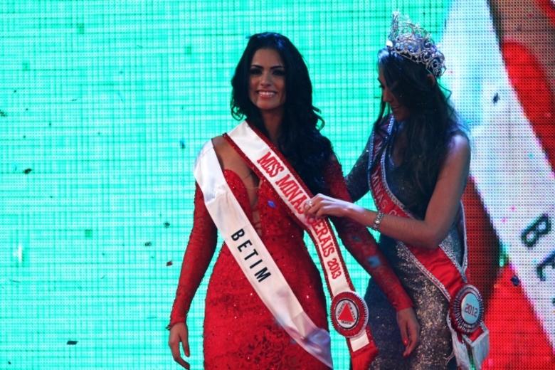 janaina barcelos, miss brasil motors internacional 2010. - Página 2 Bxjxu828