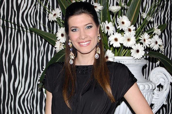 bruna jaroceski, miss brasil intercontinental 2010. - Página 2 L55sr6k2