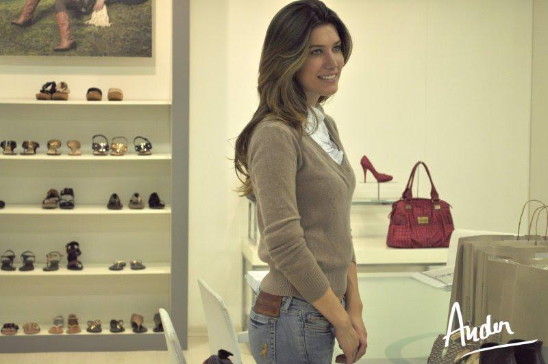 bruna jaroceski, miss brasil intercontinental 2010. - Página 2 Tb52xm2a