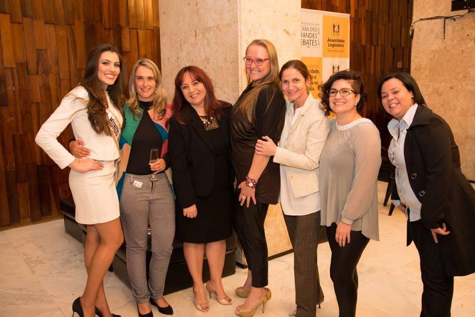 vitoria bisognin, miss brasil rainha internacional do cafe 2015, candidata a miss rio grande do sul universo 2017. - Página 34 5c8mqrb8