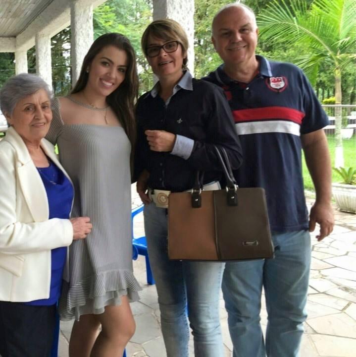 vitoria bisognin, miss brasil rainha internacional do cafe 2015, candidata a miss rio grande do sul universo 2017. - Página 37 Tfvn32te