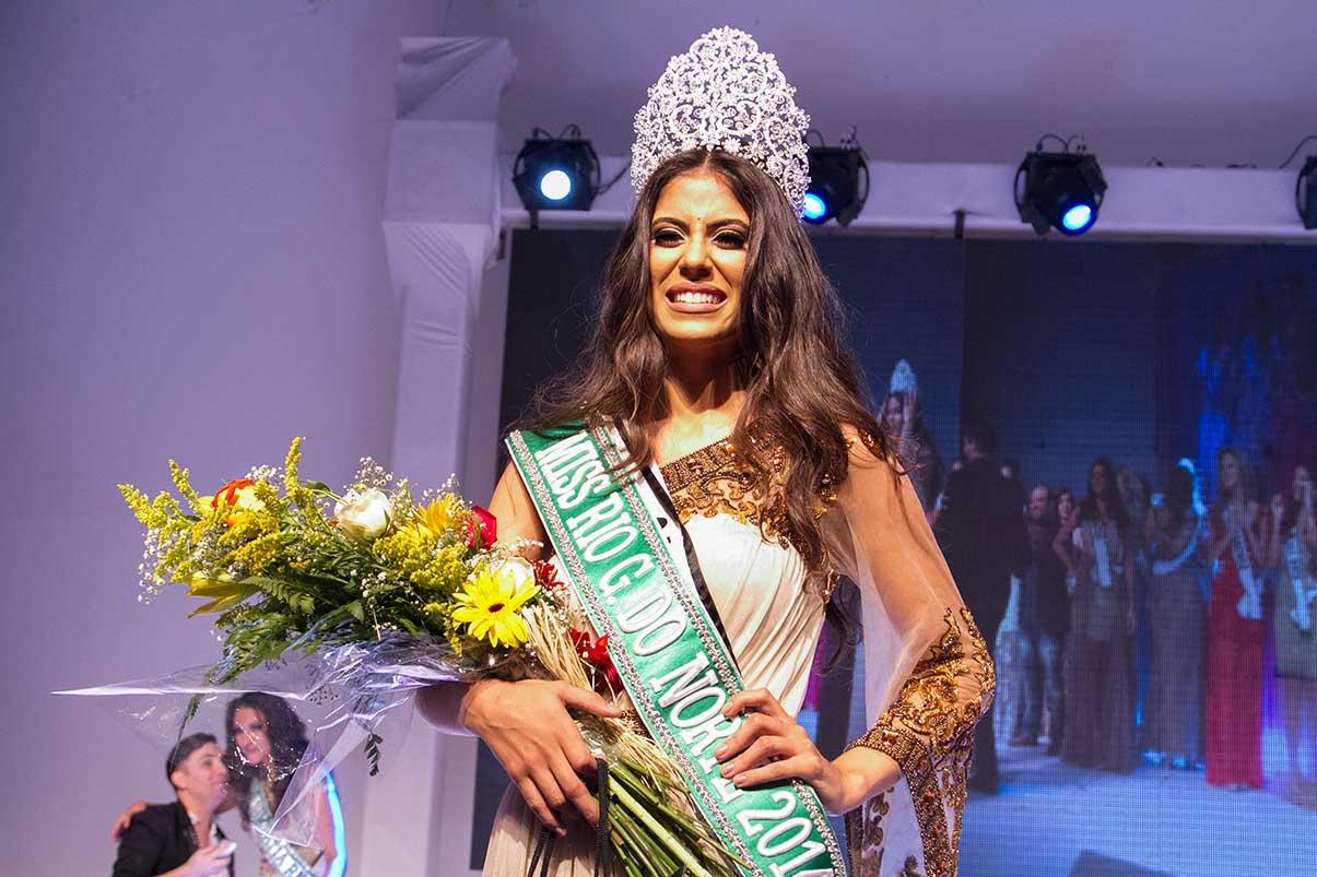deise benicio, miss supranational distrito federal 2020/top 12 de miss international 2014. - Página 4 66jp3ijs