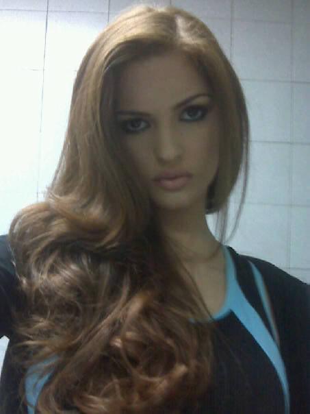 mariangela bonanni, top 7 de miss earth 2010. - Página 4 3nwuysbr