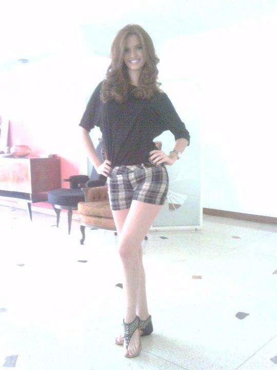 mariangela bonanni, top 7 de miss earth 2010. - Página 3 6iyxe4o2