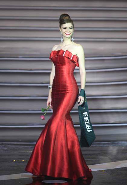 mariangela bonanni, top 7 de miss earth 2010. 6uzm77zp