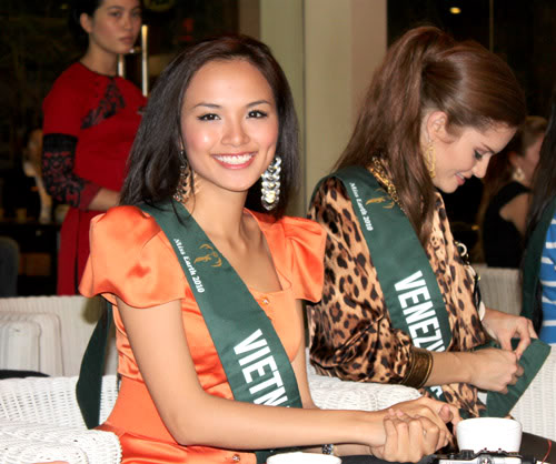 mariangela bonanni, top 7 de miss earth 2010. - Página 8 7snaaojv