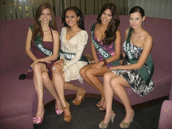 mariangela bonanni, top 7 de miss earth 2010. - Página 8 8bzrfpnb
