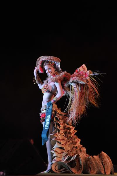 mariangela bonanni, top 7 de miss earth 2010. - Página 6 Qf8nfood