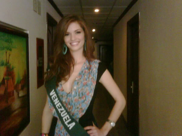 mariangela bonanni, top 7 de miss earth 2010. - Página 9 Wj658jtz