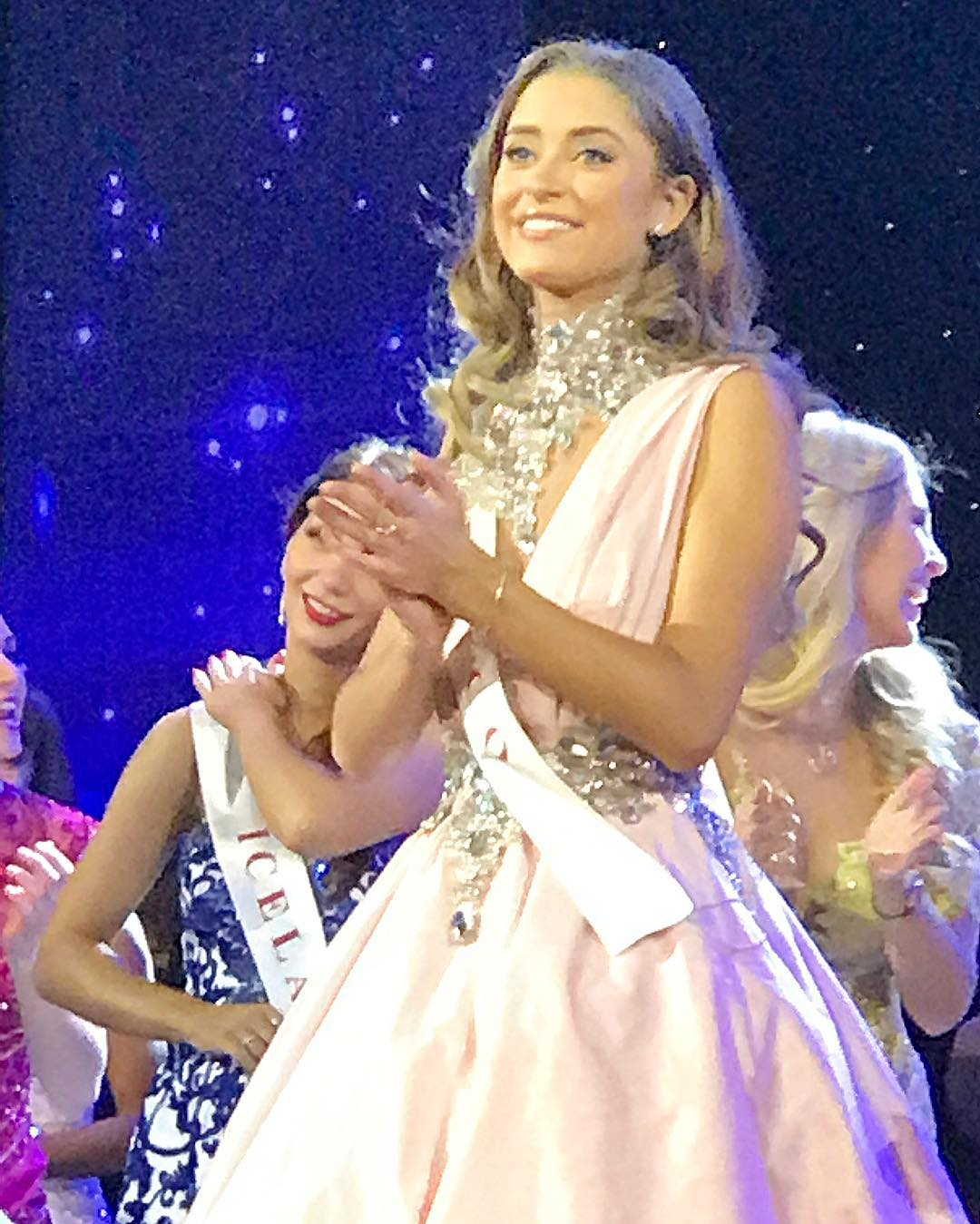 ana girault, miss mundo mexico 2016. - Página 18 Heyhkrgv