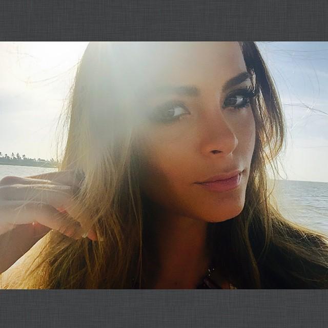 laura spoya, miss america latina mundo 2016. - Página 16 9dxyexd8