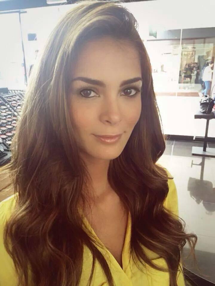 laura spoya, miss america latina mundo 2016. - Página 4 Alzpc2cc