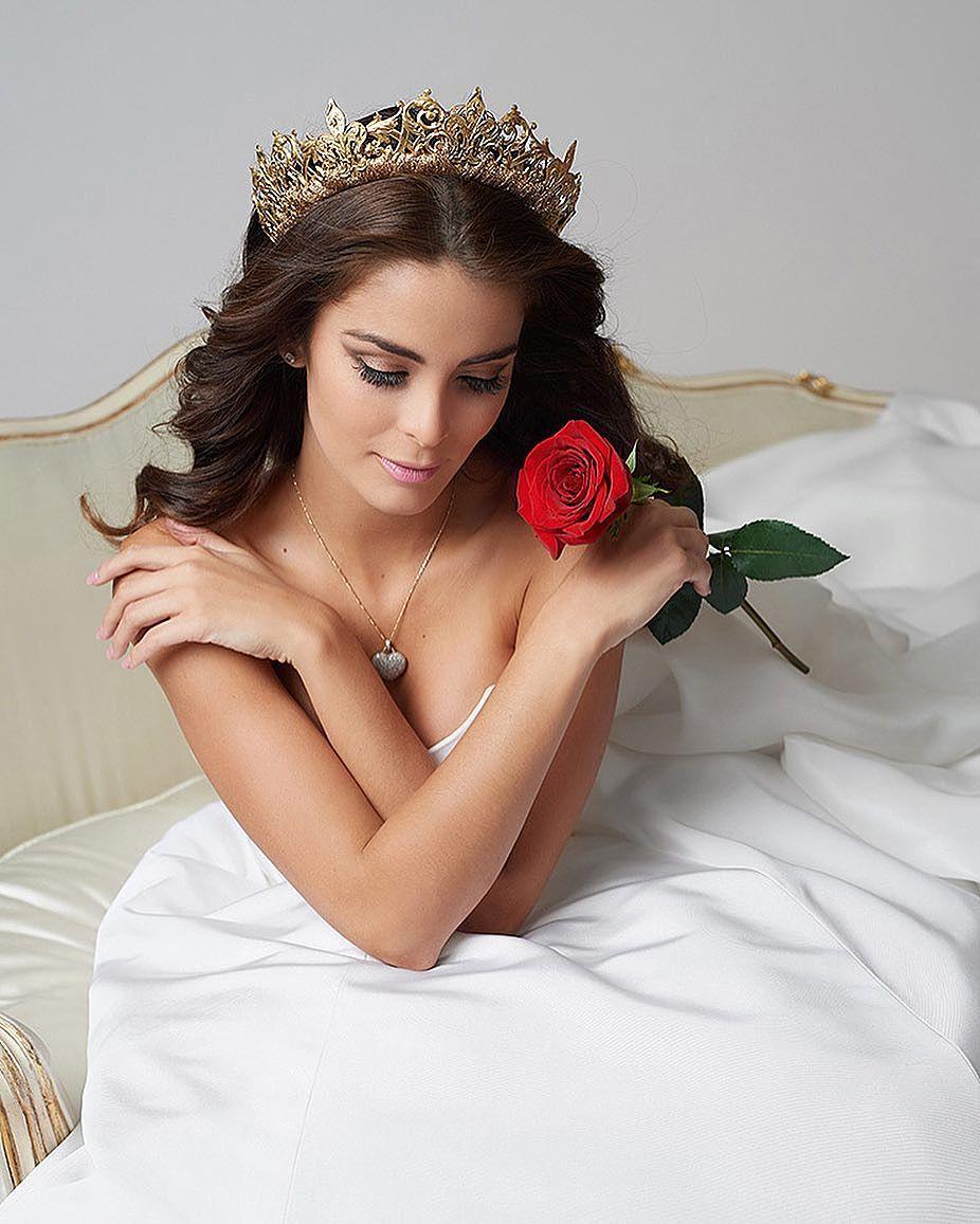 laura spoya, miss america latina mundo 2016. - Página 19 Blmo5clp