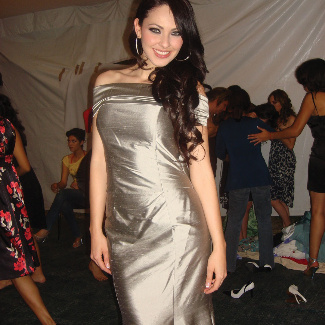 perla beltran, 1st runner-up de miss world 2009. 2i5ck2qx