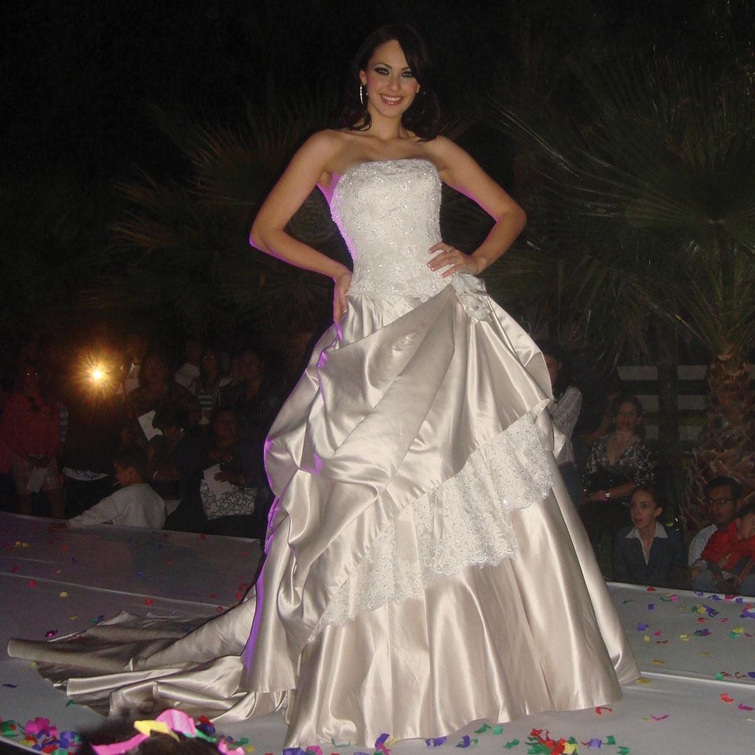 perla beltran, 1st runner-up de miss world 2009. A3u8n9x5