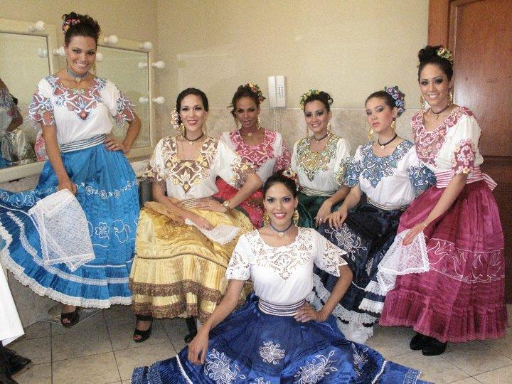 silvia cornejo, primera latina a ser miss tourism queen international 2008. - Página 4 2yqjjq8i