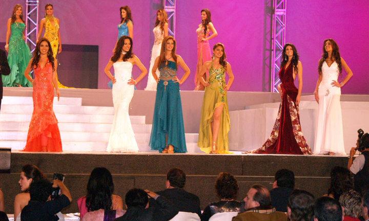 silvia cornejo, primera latina a ser miss tourism queen international 2008. - Página 2 5hidfqb7