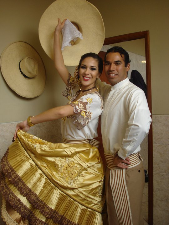 silvia cornejo, primera latina a ser miss tourism queen international 2008. - Página 4 86rkeodi