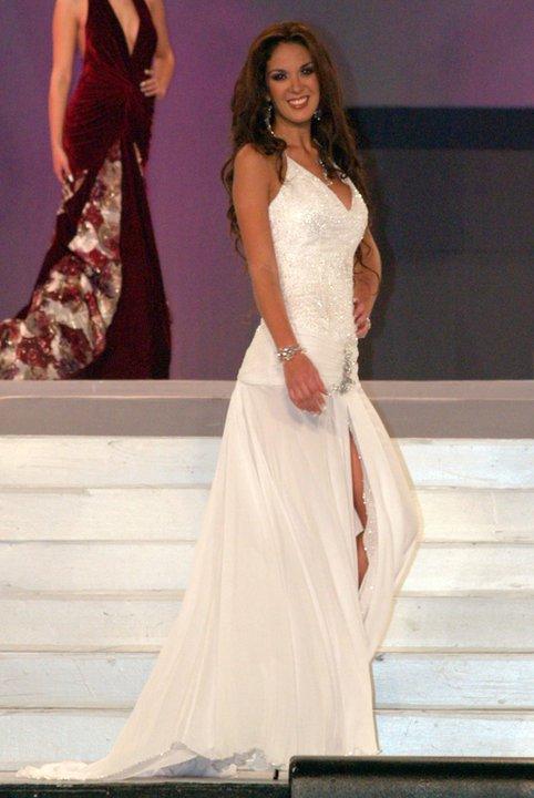 silvia cornejo, primera latina a ser miss tourism queen international 2008. - Página 2 D5fmnpeq