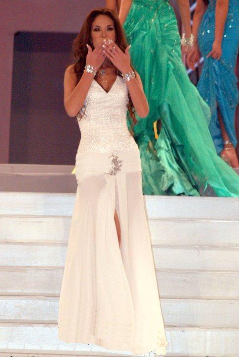 silvia cornejo, primera latina a ser miss tourism queen international 2008. Jksg3wdw