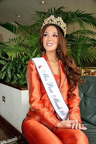 silvia cornejo, primera latina a ser miss tourism queen international 2008. Mmougcu2