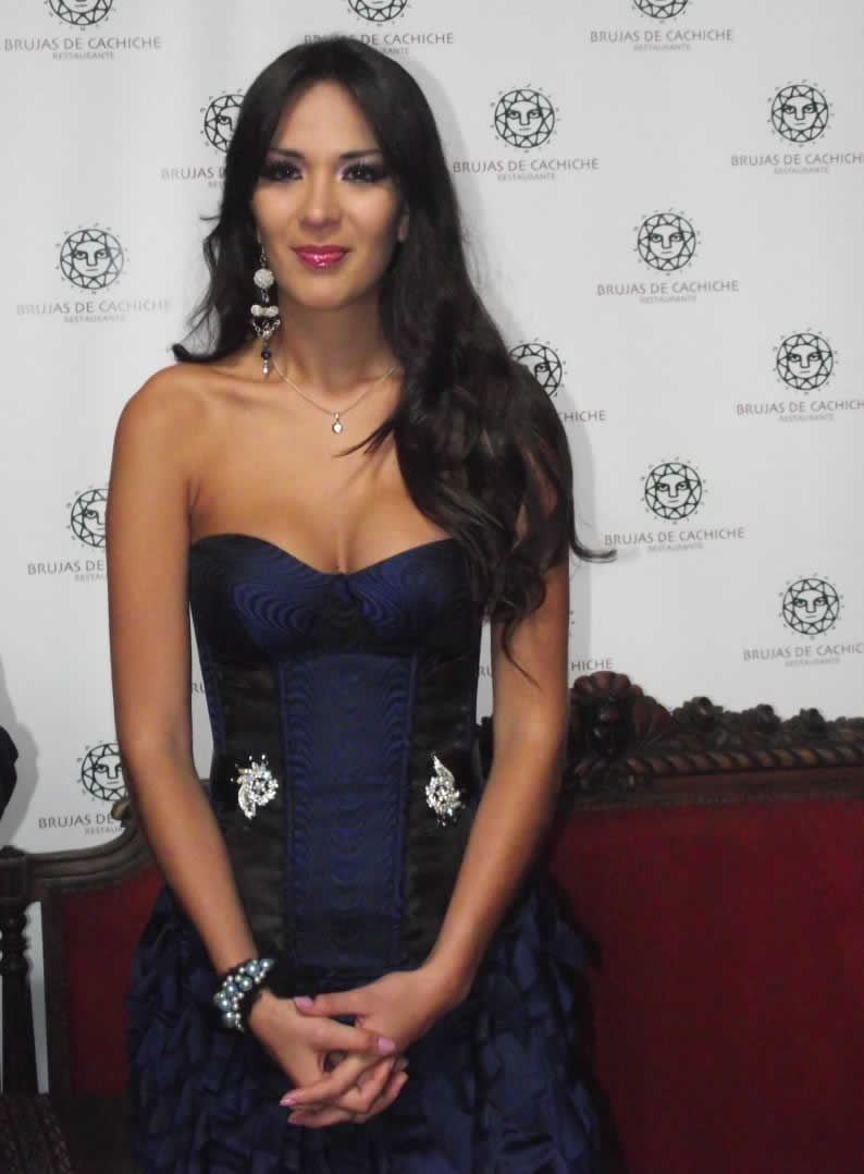silvia cornejo, primera latina a ser miss tourism queen international 2008. - Página 2 T9qztoro