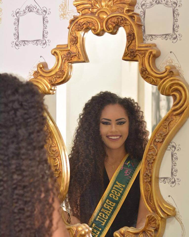 natali vitoria, miss roraima mundo 2020/top 15 de miss brasil universo 2019 /miss brasil teen universe 2017. primeira miss negra a vencer o miss roraima. - Página 3 8syhv9sv