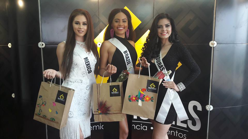 natali vitoria, miss roraima mundo 2020/top 15 de miss brasil universo 2019 /miss brasil teen universe 2017. primeira miss negra a vencer o miss roraima. - Página 6 6hc564q2
