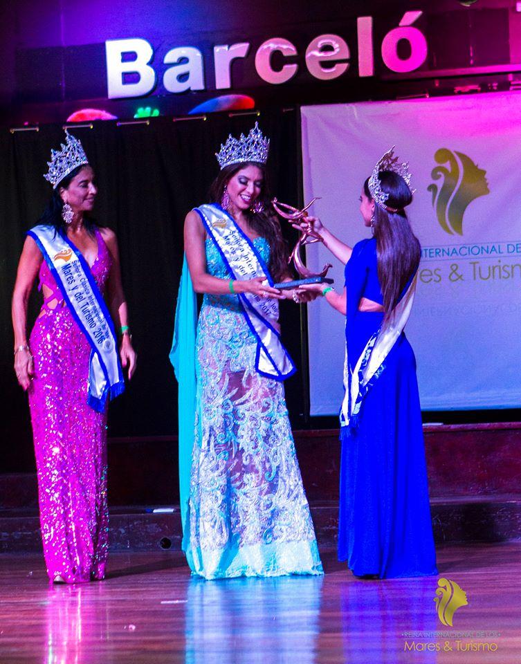 paola knolseisen, ganha o titulo de mrs rainha dos mares e do turismo 2017. Ksdfd5ti