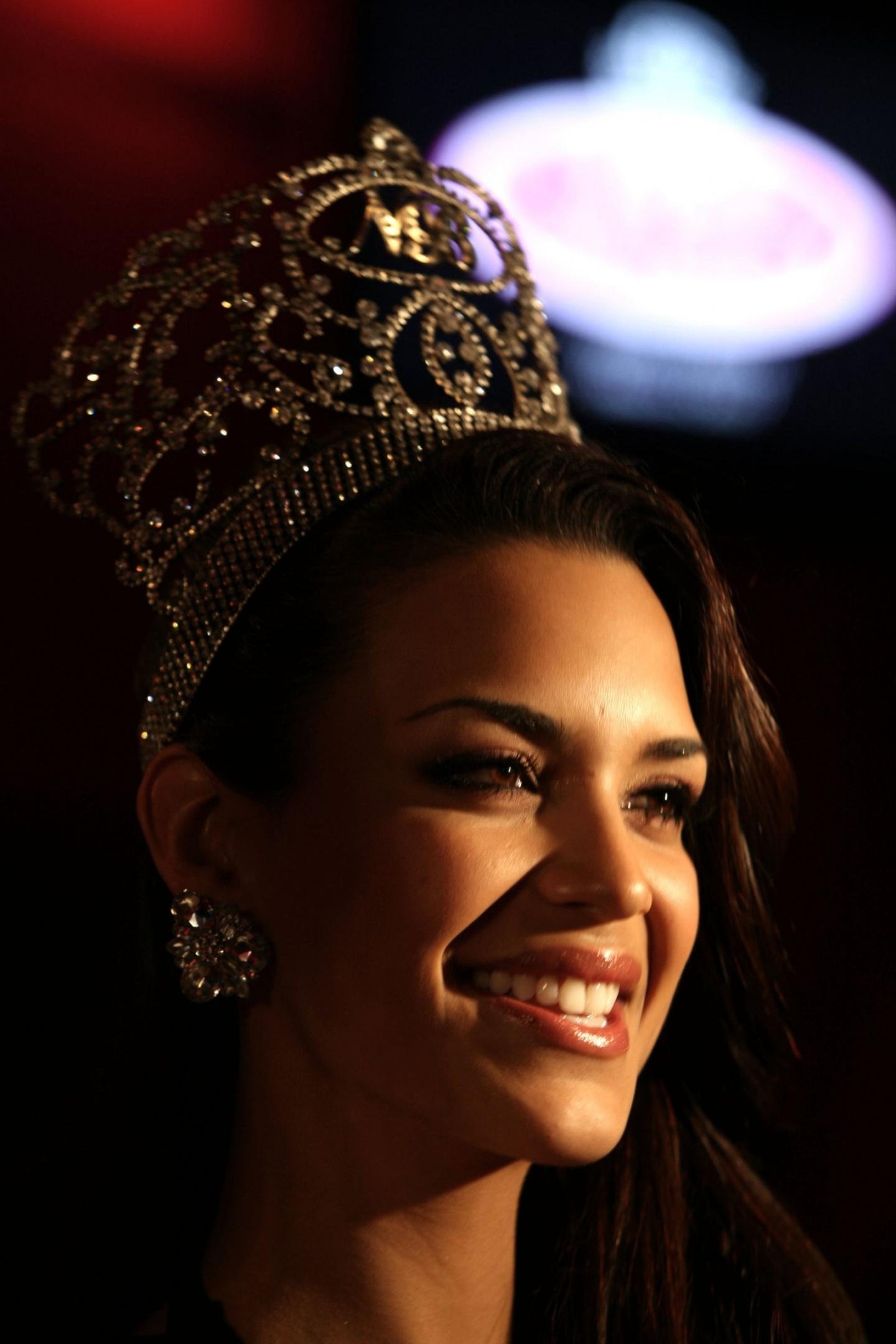 elisa najera, top 5 de miss universe 2008. C49h9d3o