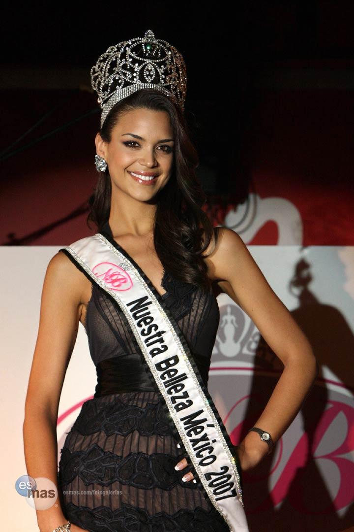 elisa najera, top 5 de miss universe 2008. - Página 4 Djweat2n
