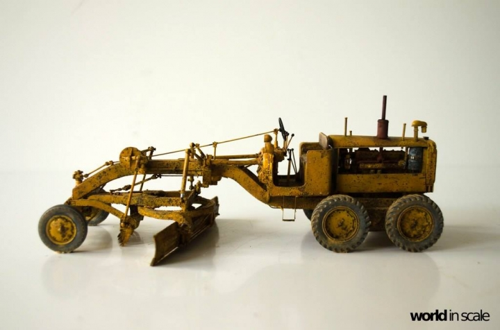 "Caterpillar 12 ""Motor Grader"" - 1/35 by Plus Model 4azneye6"