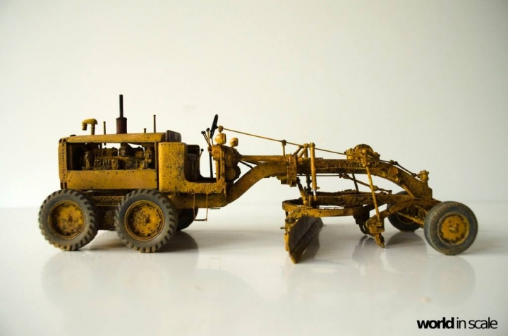 "Caterpillar 12 ""Motor Grader"" - 1/35 by Plus Model Hnojtru2"