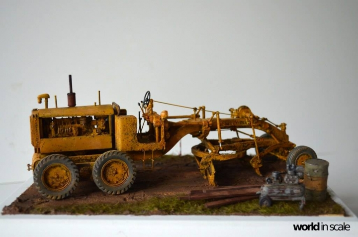 "Caterpillar 12 ""Motor Grader"" - 1/35 by Plus Model Rm25h65z"