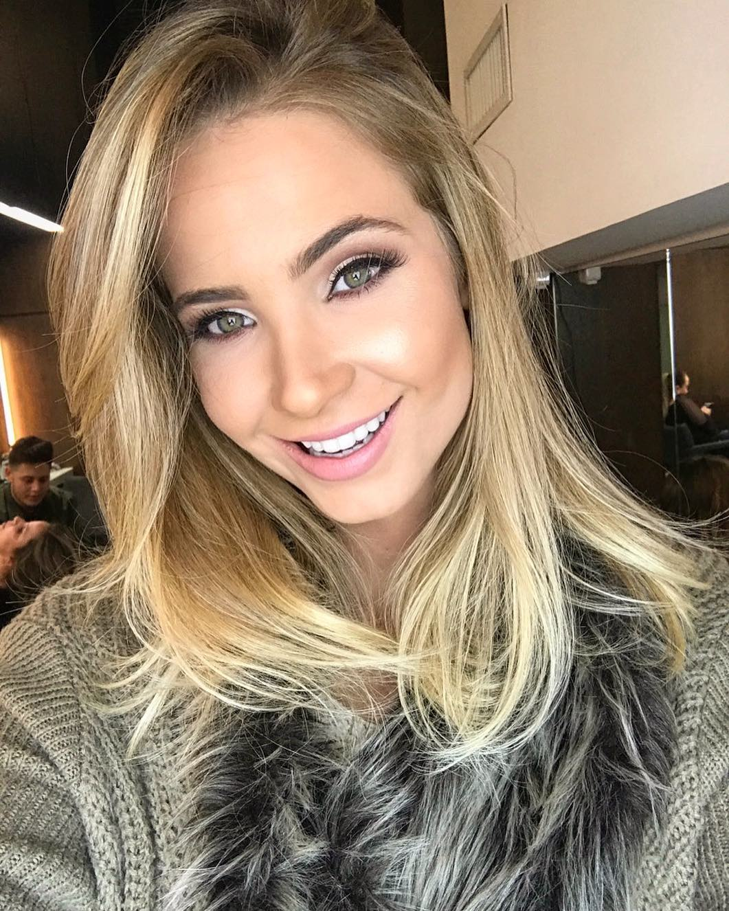 bruna vizintin, destituida do titulo de miss brasil terra 2017. - Página 3 Xsipl8g7