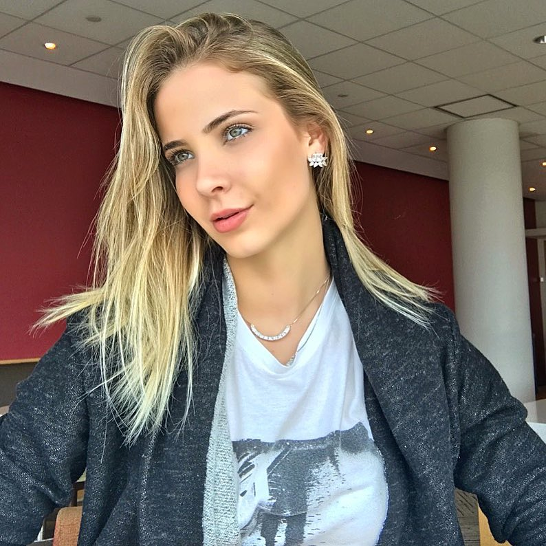bruna vizintin, destituida do titulo de miss brasil terra 2017. - Página 3 Yq6tuw6w