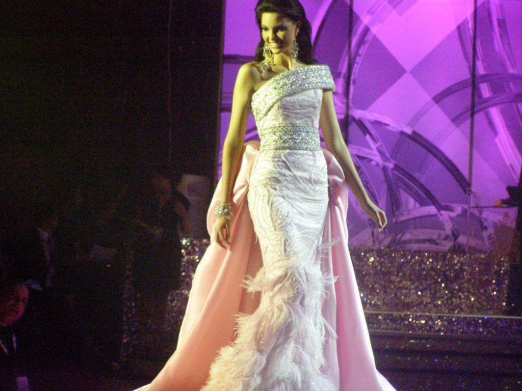 angela la padula, 3ra finalista de miss italia nel mondo 2011. 85ln52dy