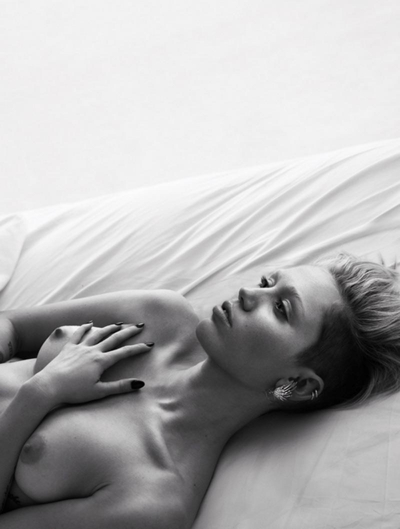 #SoledadLlevameTopic (31) - Página 25 W-Magazine_Mert-Marcus_Miley-Cyrus