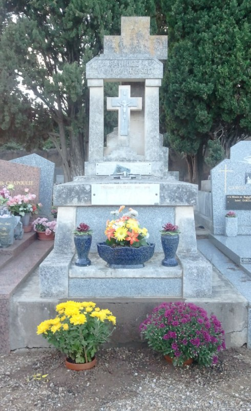 Le Culte des Morts - La Toussaint Tombe_loup