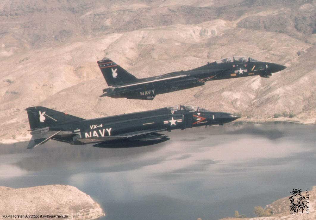 McDonnell Douglas F-4 Phantom IIN (interceptor y cazabombardero supersónico, biplaza, bimotor y de largo alcance USA) F14-photo-vx4-01xl11