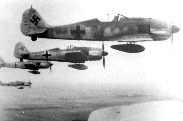 Connu, mais toujours aussi beau...le Fw 190 A Genth1