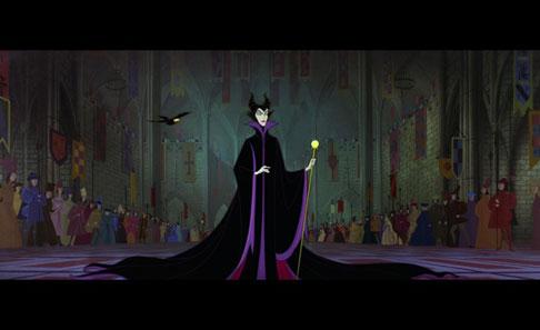Disney Store Poupées Limited Edition 17'' (depuis 2009) - Page 2 Maleficent_Foyer_L