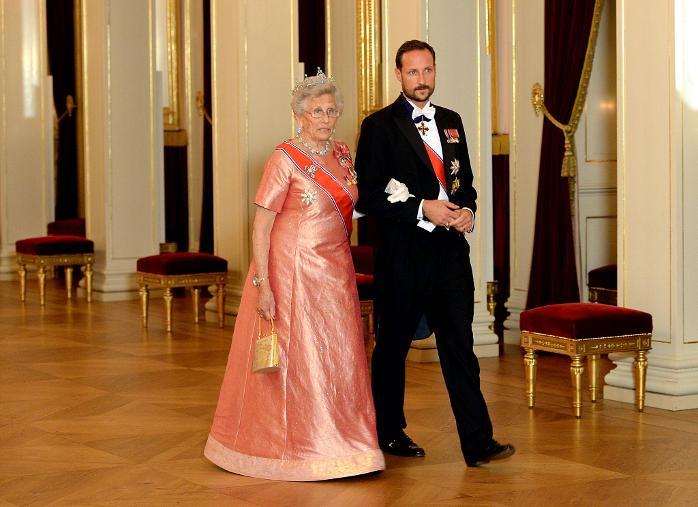 Sonja Haraldsen. Reina de Noruega - Página 11 Haakon__5151552a